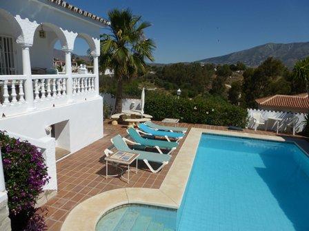 Villa pool & view