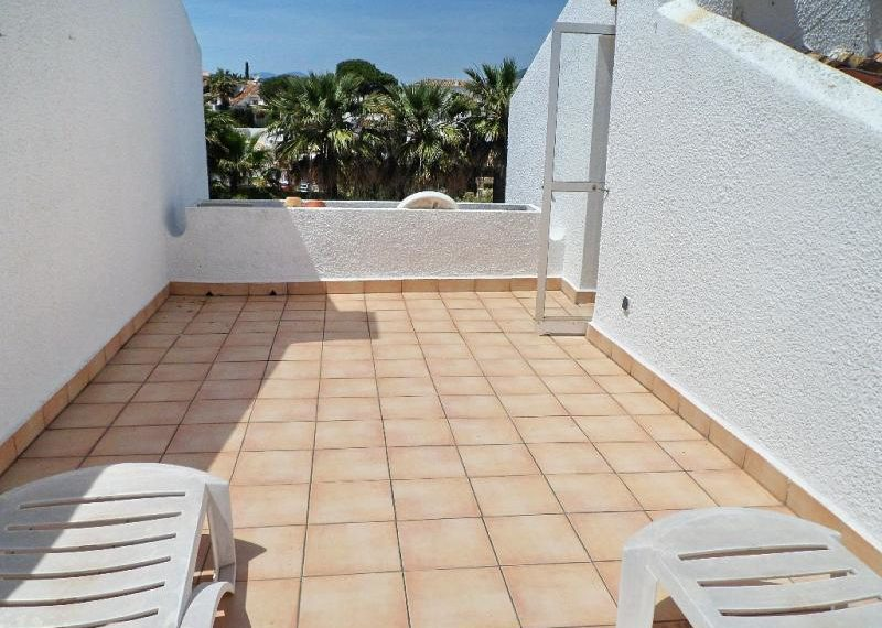 06-large-roof-terrace-ref-4012 (1)