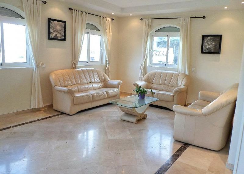 07-living-room-ref-4141