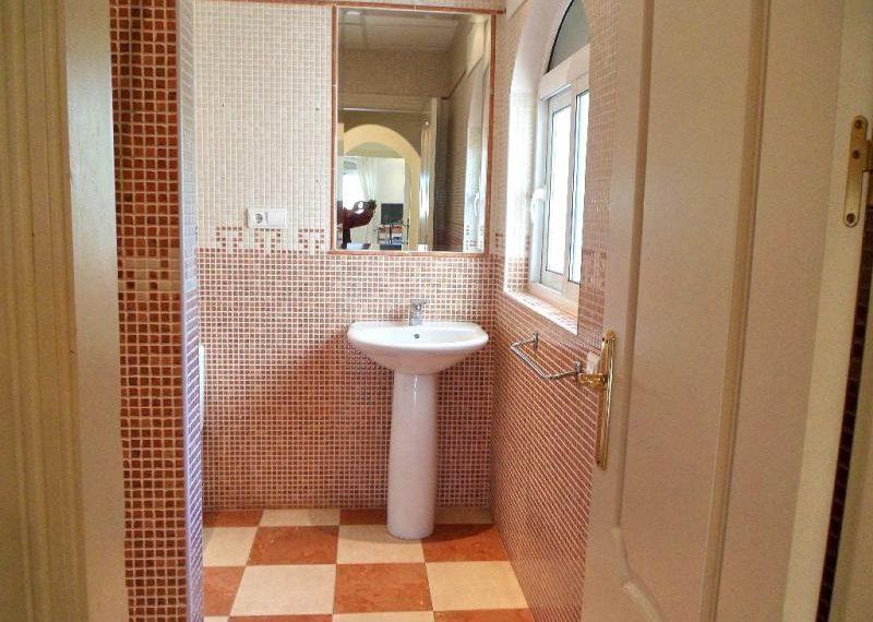 11-bathroom-ref-4141