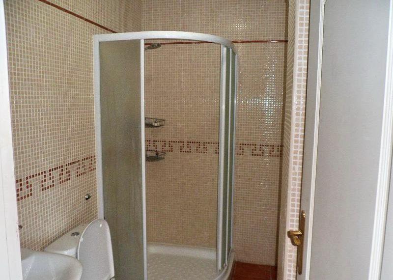 17-bathroom-ref-4141