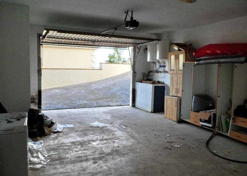 19-large-garage-ref-4141