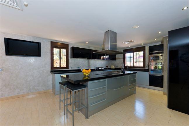 10161274-kitchen
