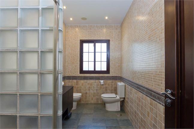 10161284-bathroom (1)
