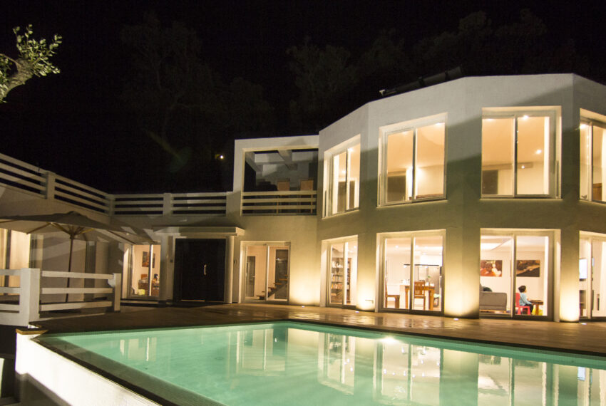 House_in_Marbella-10 Overall view at night