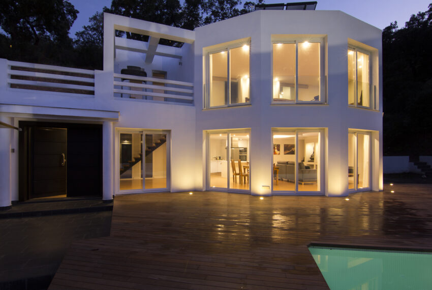 House_in_Marbella-11 Overall view at night 2