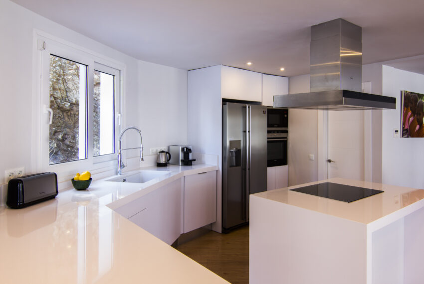 House_in_Marbella-17 Kitchen